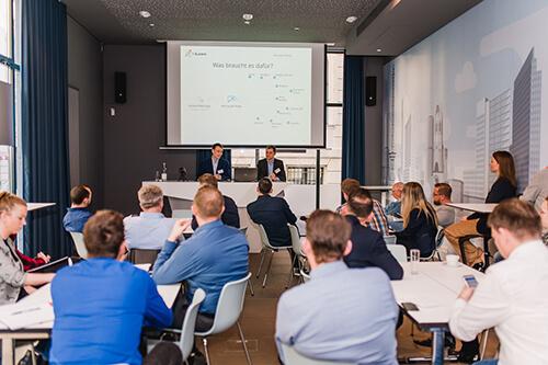Automatisierung von Workflows im Techniker-Stream mit Martin Grünert und Andreas Buchner  (Foto: ©InLoox GmbH; Fotografin: Mica Zeitz)