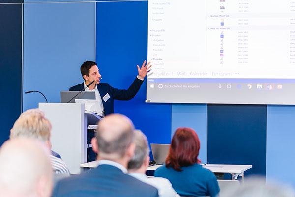 """InLoox Insider Tag 2017: Vortrag """"Individuelles InLoox - Ansichten an spezifische Bedürfnisse anpassen"""" von InLoox Account Manager Thilo Urner"""