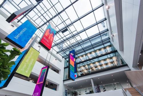 Das Atrium der neuen Microsoft Deutschland Zentrale in München-Schwabing