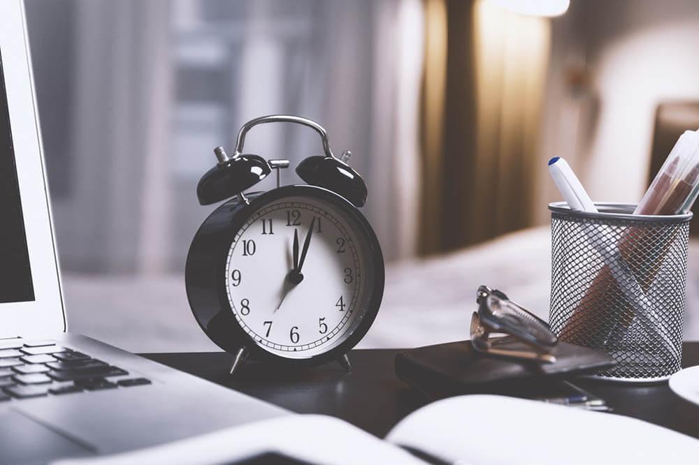 Parkinsons Gesetz: Warum wir so viel Zeit verschwenden