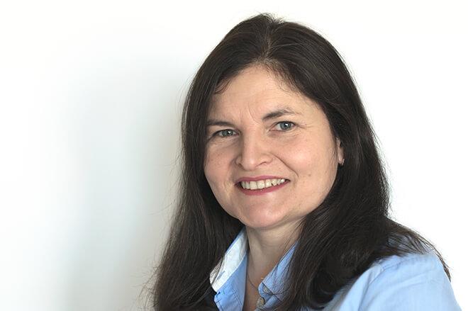 Oana Kreitmair - Sales Assistant - InLoox GmbH